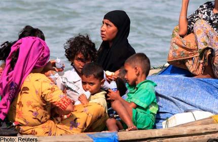 Bangladesh%20Denies%20Rohingya%20Muslims%20Entry[1]