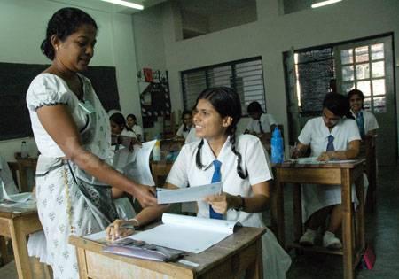 news_2008_8_images_newslanka_exams[1]