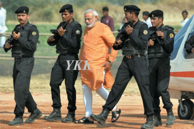 Narendra-Modi-guarded-by-Black-Cat-commandos
